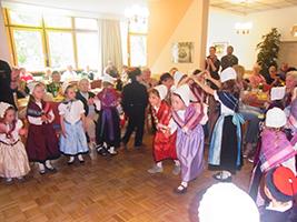 Auftritt Kinder im Pro Seniore