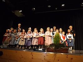 Auftritt der Kinder in der Bienwaldhalle Kandel