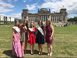 Melanie II. zu Besuch in Berlin