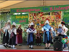 Auftritt der Kinder im Kindergarten Billigheim