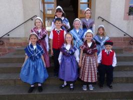 Auftritt der Kinder beim Seniorennachmittag in Billigheim